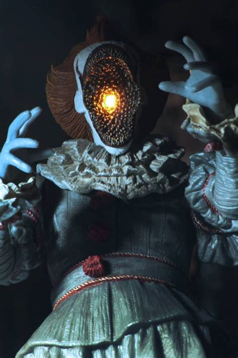 """Upcoming """"Ultimate Pennywise"""" Figure from NECA Includes"""