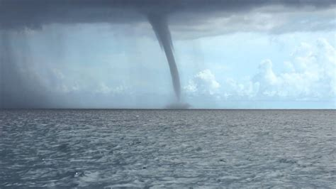 Huge Water Spout Formation off Key West - YouTube