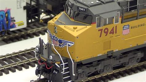 MTH HO Scale ES44AC/GEVO Review Union Pacific #7941 - YouTube