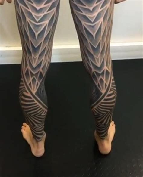 Check Out This Amazing Full Body Tattoo - Wow Video