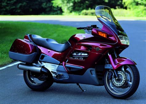 Review of Honda ST 1100 Pan European 1992: pictures, live