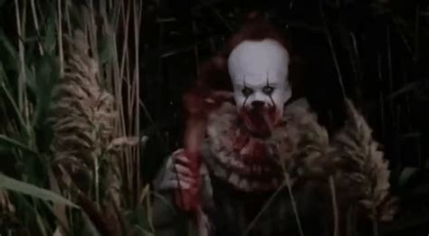 Best Pennywise Waving GIFs | Gfycat